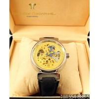 Наручные часы Louis Vuitton Tambour CWC676