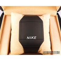 Спортивные часы Nike Touch Screen CWS059
