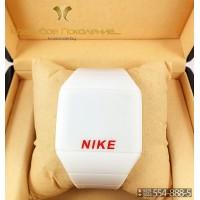 Спортивные часы Nike Touch Screen CWS099
