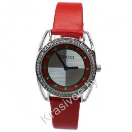 Женские наручные часы Gucci CWC037