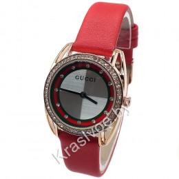 Женские наручные часы Gucci CWC309