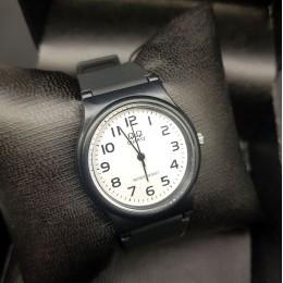 Кварцевые наручные часы Q&Q CWC442