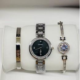 Женские наручные часы Chanel И ДВА МЕТАЛЛИЧЕСКИХ БРАСЛЕТА CWC961