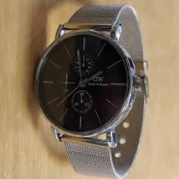 Мужские наручные часы на металлическом браслете Daniel Wellington CWCR004
