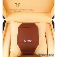 Спортивные часы Nike Touch Screen CWS105